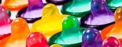 προφυλακτικά σε διάφορα χρώματα